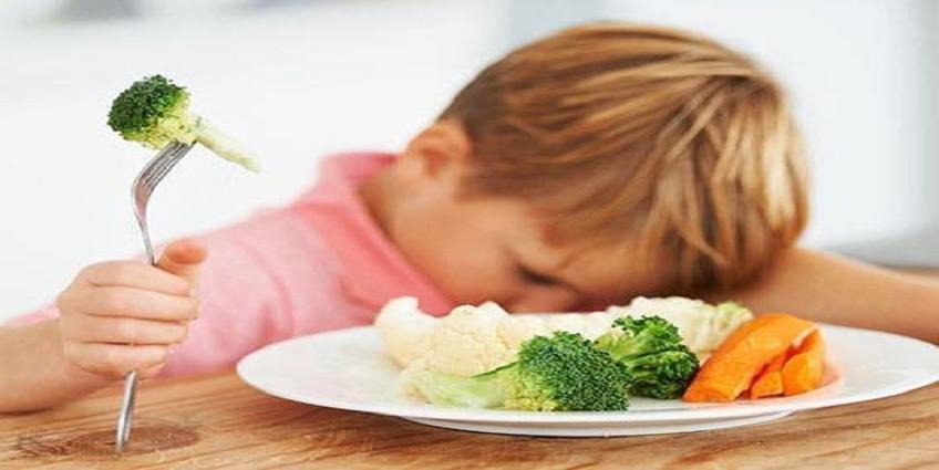 Đừng ép trẻ ăn nhiều - Hãy cho trẻ ăn đủ chất