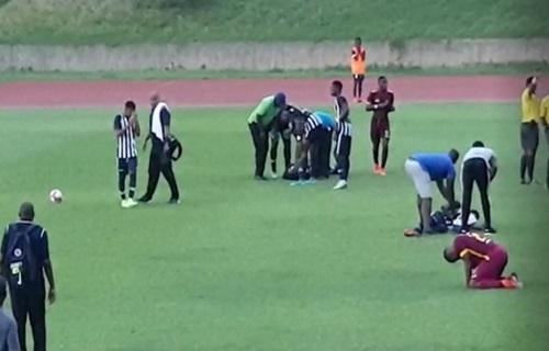 Bị sét đánh, 4 cầu thủ đổ gục trên sân