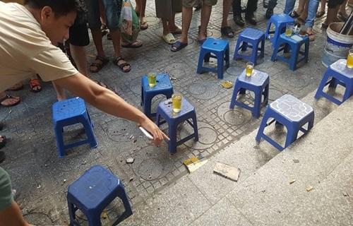 Nhiều người bị thương khi gói hàng phát nổ