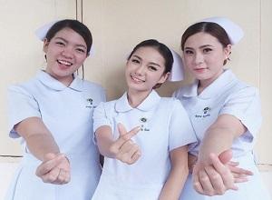 3 nữ bác sĩ, y tá xinh đẹp gợi cảm tựa hoa hậu