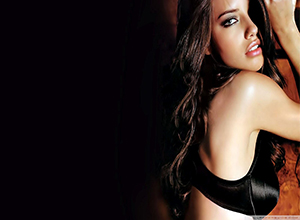 Đường cong nảy nở tuyệt mỹ của cựu thiên thần Victoria's Secret