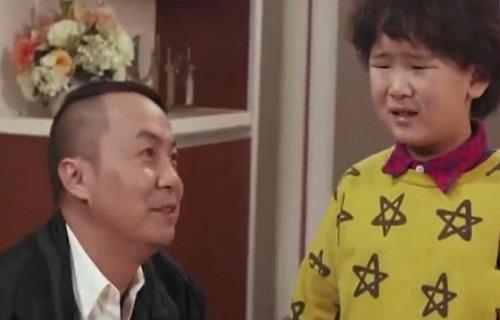 Chỉ một chút hiểu nhầm của ông bố khiến con trai bị đánh đòn