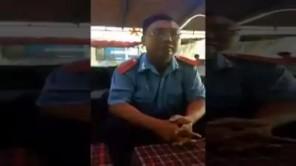 Thanh tra giao thông ăn hối lộ bị bắt quả tang mềm như bún