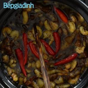 Cách làm kho quẹt chấm rau củ luộc ngon xuất sắc