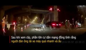 Xe máy tự ngã và phản ứng của người điều tiết giao thông gây tranh cãi