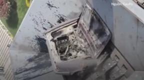 Máy nghiền cỡ lớn bóp vụn xe hơi trong vài phút