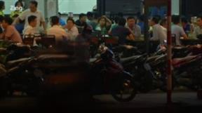 TP.HCM: Quán nhậu đông sau giãn cách, CSGT mạnh tay xử lý vi phạm nồng độ cồn