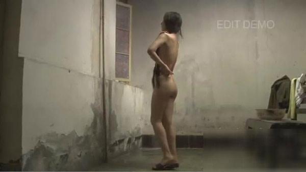 Can Lộ Lộ bị phát tán video clip sex khỏa thân tắm trần truồng