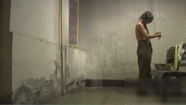 Video Can Lộ Lộ tắm trần truồng bị tung lên mạng ?