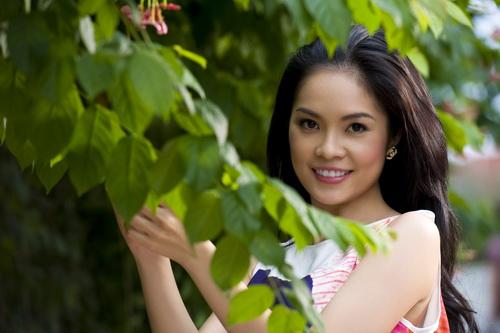 Dương Cẩm Luynh: Không có chuyện tôi kết hôn với chồng Tây