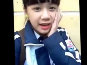 SHOCK với clip fan cuồng Việt tỏ tình với Kim Tan