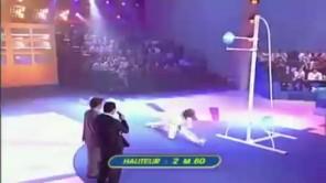 Taekwondo lập kỷ lục guinness với cú đá cao 2,7m