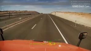 Ôtô mất lái 'xoay như chong chóng' trên đường