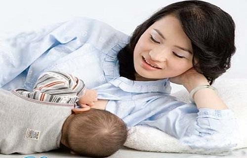 Trẻ bú mẹ ít có phải mắc bệnh đường tiêu hóa hay kém hấp thu?