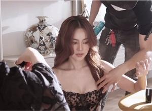 """Ninh Dương Lan Ngọc khoe clip hậu trường """"đỏ mặt"""""""