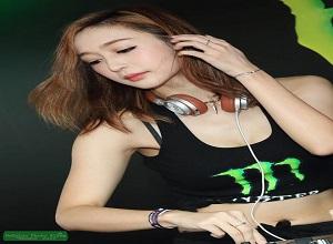 Nữ DJ tham gia game show gây  'nghẽn sóng'  vì quá nóng bỏng