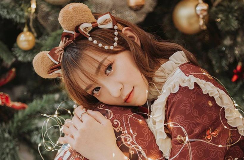 Giáng sinh ngọt ngào của nữ sinh xinh đẹp