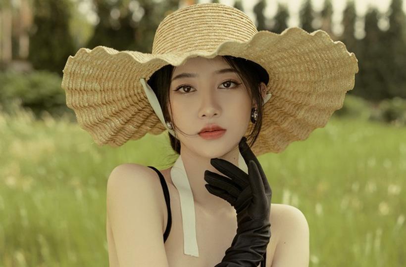 Thiếu nữ sở hữu gương mặt khả ái với ngũ quan hài hòa