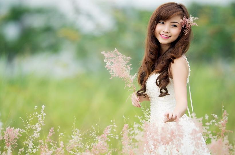 Vẻ đẹp mong manh của thiếu nữ váy trắng khiến bao người ngẩn ngơ