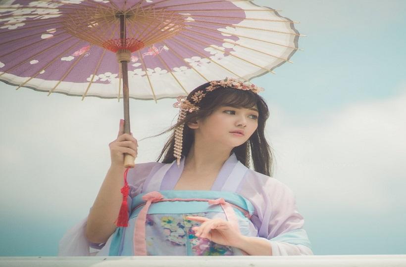 Girl xinh trong trang phục truyền thống Trung Quốc