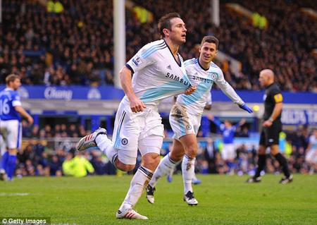 Anh vừa lập cú đúp giúp Chelsea lội ngược dòng đánh bại Everton ngay tại Goodison Park