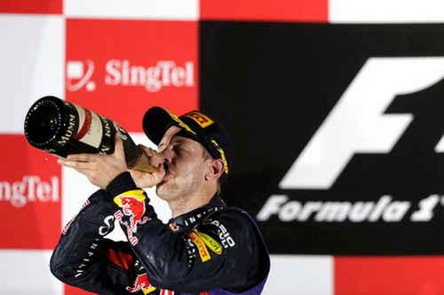 Vettel một lần nữa được tận hưởng hương vị chiến thắng