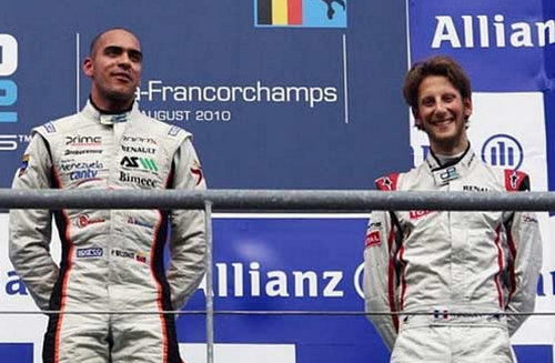 Maldonado cùng đồng đội mới Grosjean trên podium ở thể thức GP2 năm 2010